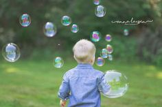 Bubble Pictures, Toddler Pictures, Boy Pictures, Boy Photos, Fall Family Pictures, Family Picture Poses, Picture Ideas, Photo Ideas, Toddler Boy Photography