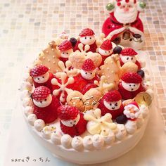 meringue, strawberries & white chocolate cake topping by naru Food Cakes, Big Cakes, Candy Cakes, Cupcake Cakes, Fancy Desserts, Delicious Desserts, Sweets Recipes, Cake Recipes, Japanese Christmas Cake