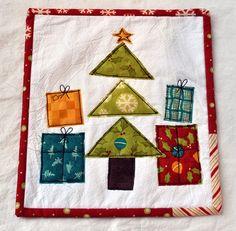 Christmas mini-quilt, raw edge applique