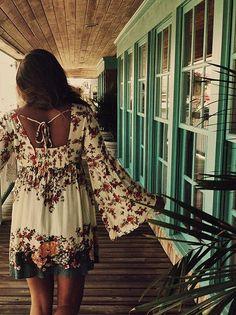 Boho chic fashion, modern hippie fashion trend, Bohemian lifestyle | FOLLOW http://www.pinterest.com/happygolicky/boho-chic-fashion-bohemian-jewelry-boho-wrap-brace/ for MORE ideas.