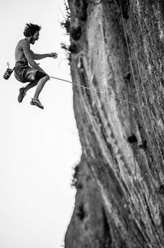#Rock #Climbing Spotlight, redirect and focus attention so it doesn't skitter about http://youtu.be/bK7NUdh01WY