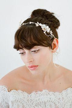 Casco de la boda, pedazo del pelo de novia, tocados novia, diadema cristal, Jewelled boda postizo, oro Halo - DIMITRA