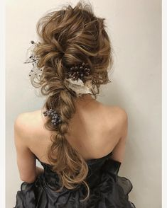 Crystal and Pearl hair vine Extra Long Hair Vine Bridal Hair Best Wedding Hairstyles, Bride Hairstyles, Down Hairstyles, Hairdo Wedding, Wedding Hair Down, Coiffure Hair, Mother Of The Bride Hair, Hair Arrange, Bridal Hair Vine