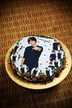 What's better than Justin Bieber on a cake? MULTIPLE Biebers on a cake.