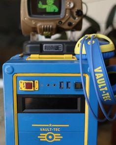 Vault Tec Fallout 3 personnalisé conçu boitier PC par BebopMods