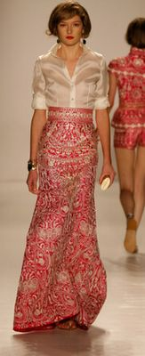 Naeem Khan - just the blouse Couture Fashion, Runway Fashion, Womens Fashion, Beautiful Gowns, Beautiful Outfits, Modern Filipiniana Dress, Vetement Fashion, Love Fashion, Fashion Design
