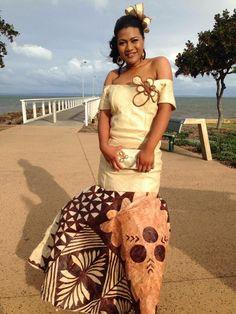 Island Wedding Dresses, Tropical Wedding Dresses, Wedding Dress Styles, Polynesian Dresses, Polynesian Art, Fiji People, Punk Costume, Island Wear, Native Style