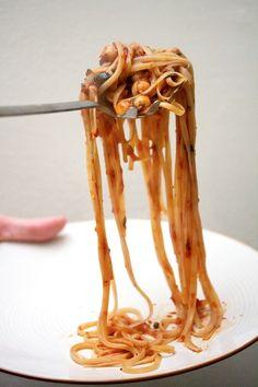 The sexiest pasta: Linguine Puttanesca
