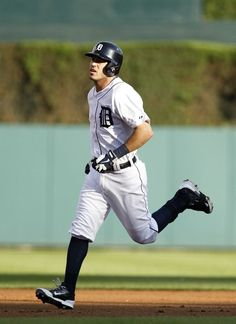 Ian Kinsler rounds the bases after hitting a home run in the first inning, 07/03/2014