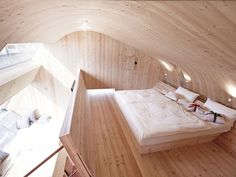 Ufogel Tiny House in Vienna Interiors 05 ← Back to Article / Find more inspire to Create: Architecture, Interior, Art and Design ideas Tiny Living, Living Spaces, Cabin Design, House Design, Microhouse, Interior Architecture, Interior Design, Modern Interior, Wood Shingles