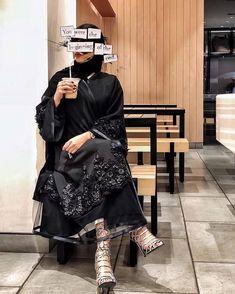 Arab Fashion, Dubai Fashion, Muslim Fashion, Modest Fashion, Fashion Dresses, Niqab, Modern Abaya, Hijab Fashionista, Hijab Style