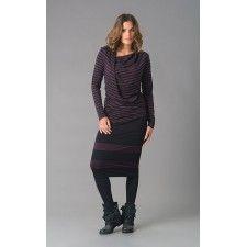 ELSEWHERE top, DEEP PETROL zwart gestreepte jersey, asymmetrische draperie. Viscose/elastan.