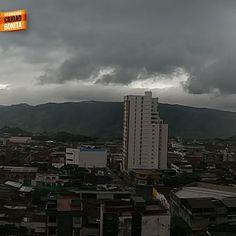 El cielo de Bucaramanga en estos días de lluvia. Gracias Alejandra Peña (facebook.com/alepenav) por la foto #climaBUC