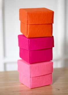 DIY stiffened felt boxes - this should also be pinned to Gifts & Ideas. So much better than gift wrap paper that is used once and thrown awa...