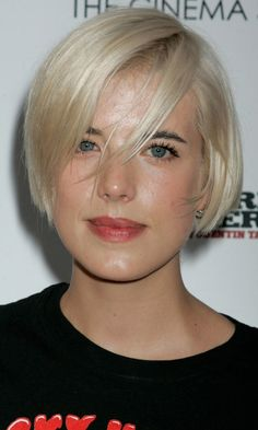 Agyness Deyn's Short Bob Hairstyle, August 2009