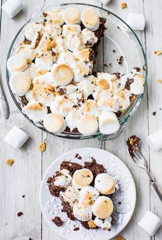 Smores Brownie Pie Recipe- No campfire? No problem! Fudgy brownies topped with toasted marshmallows & graham cracker crumbs. Best smores ever!