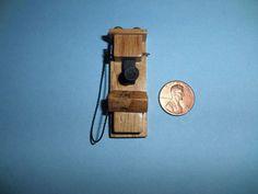 DOLLHOUSE MINIATURE 1920S OLD FASHIONED CRANK OAK WALL PHONE/TELEPHONE