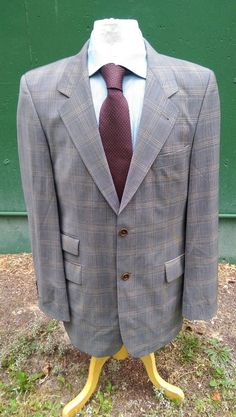 ec1caa6c9 HUGO BOSS Blazer jacket Size 40 L TALL Gray Plaid Pattern Wool Ticket Pocket  EUC #