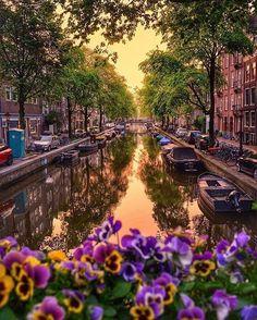 Амстердам вечером.