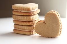 Replacing gingerbread cookies with peanut butter ones (and will fill with cookiebutter!)