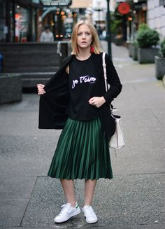 Stan Smiths - Satin Pleated Midi Skirt - Blazer -  A PIECE OF ELISE