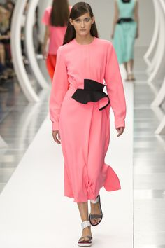 Roksanda Spring 2015. See the whole collection on Vogue.com.