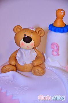 Tarta bautizo osito. Fondant cake www.facebook.com/GloriaCakes www.gloriacakes.com #Cake #Bear