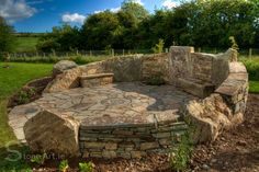 Stone Art provides a wide range of services and features for both your home and garden. Whether you are looking to have a garden makeover or a stone feature Mosaic Stepping Stones, Pebble Mosaic, Stone Mosaic, Backyard Patio, Backyard Landscaping, Backyard Fireplace, Diy Patio, Patio Ideas, Blog Art