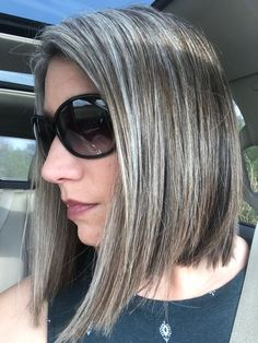 Sophisticated blonde and gray hair colors blending on straight hair - Graue Haare - Cheveux Grey Hair Wig, Grey Ombre Hair, Ombré Hair, Hair Wigs, Black Hair, Curls Hair, Men Hair, Wig Hairstyles, Straight Hairstyles