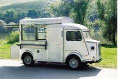 Geliebte Blechdose: Den französischen Klassiker Citroen HY bietet Orten Fahrzeugbau als modern bestückten Ausschankwagen an.