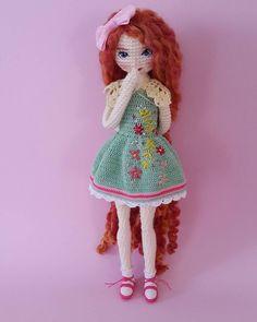 Crochet doll jacket yarns 38 ideas for 2019 Crochet Dollies, Crochet Doll Pattern, Crochet Toys, Crochet Patterns, Yarn Dolls, Knitted Dolls, Fabric Dolls, Amigurumi Patterns, Amigurumi Doll