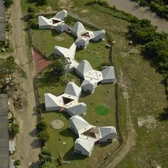 Image 8 of 27 from gallery of Timayui Kindergarten / Giancarlo Mazzanti. Photograph by Jorge Gamboa Education Architecture, School Architecture, Amazing Architecture, Landscape Architecture, Architecture Design, Module Architecture, Giancarlo Mazzanti, Kindergarten Design, Open Source Projects