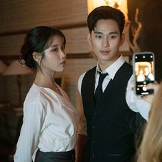 [K-Star]: Overwhelmed by Kim Soo Hyun's youthful and handsome appearance at the backstage drama 'Hotel Del Luna' Korean Celebrities, Korean Actors, Korean Idols, Celebs, Call Me By, Hyun Soo, Luna Fashion, Descendents Of The Sun, Poster Boys