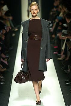 Céline Fall 2004 Ready-to-Wear Fashion Show - Caroline Trentini (Elite)