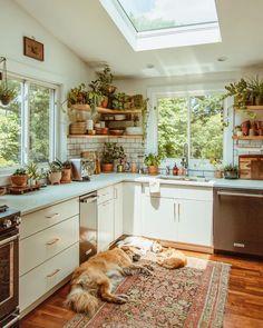 Modern Bohemian Kitchen Designs - Bohemian Home Living Room Earthy Kitchen, Cozy Kitchen, Kitchen Modern, Apron Sink Kitchen, Kitchen Jars, Backyard Kitchen, Japanese Kitchen, Space Kitchen, Natural Kitchen
