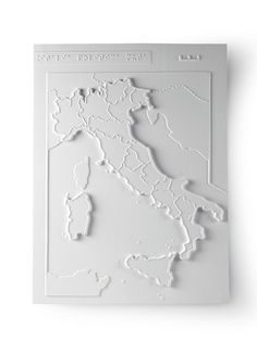 """A map of Italy with the regions labelled. All the Institute's materials are accompanied with descriptions and teaching notes; these are collected in the book and CD Tocca e Impara (""""Touch and Learn"""")"""