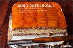 """""""Kora orzechowa"""" to ciasto warstwowe na bazie biszkoptu orzechowego, kremu budyniowego i brzoskwiń. Do masy dodatkowo dla lepszego smaku…"""
