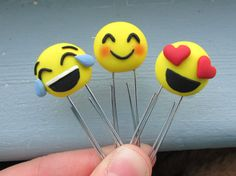 Emoji Polymer Clay Paperclip Bookmark/ Planner por MeowCharms