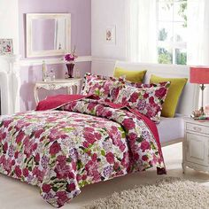 London Garden Set features quilt & 2 matching shams. 100% polyester printed face and microfiber back, 50% cotton 50% polyester fill. Soft to the touch, easy care. Machine wash in cold water with similar colors, tumble dry on low heat