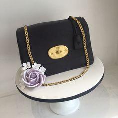 Rebakers Cakes on Facebook