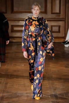 Mother of Pearl Fall 2017 Ready-to-Wear Collection - Vogue Fashion Week, Fashion 2017, Fashion Trends, Vogue Paris, Autumn Winter Fashion, Fall Winter, Winter 2017, Fashion Show Collection, Spring Summer 2018