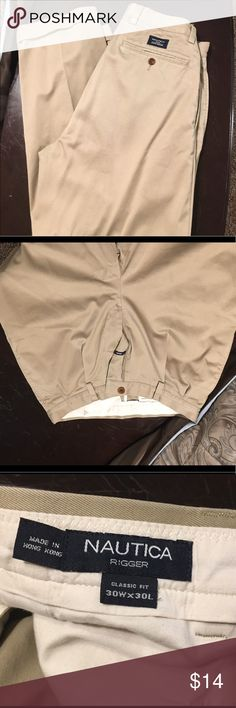 Nautica khakis 30x30 EUC Nautica khakis 30x30 EUC. Classic fit Nautica Pants Chinos & Khakis