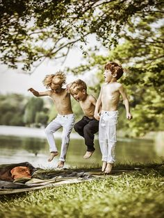 Little boys!! Hope they will make same exact photo later (like) twenty years from now.