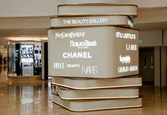 floor The Beauty Gallery/Pacific Place Hong Kong Wayfinding Signage, Signage Design, Shopping Mall Interior, Thomas Heatherwick, Art Public, Pillar Design, Pacific Place, Sign System, Column Design