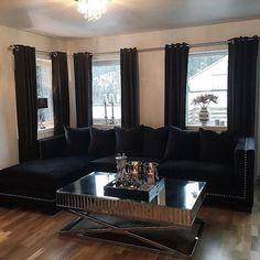 #Repost @cathrine92_  God morgen  i går fikk jeg endelig nye sofaen min #romaloungesofa @classicliving