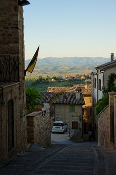 Montefalco | Alley by Pasqua Pro on 500px