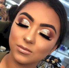 46 Stunning Makeup Ideas For Daily You Can Try 46 Stunning Makeup Ideas For Daily You Can TryBeing addicted to makeup isn't necessarily a terrible thing, provided that the addiction doesn Glamorous Makeup, Stunning Makeup, Glam Makeup, Party Makeup, Bridal Makeup, Smokey Eyes, Smokey Eye Makeup, Eyeshadow Makeup, Eyeliner