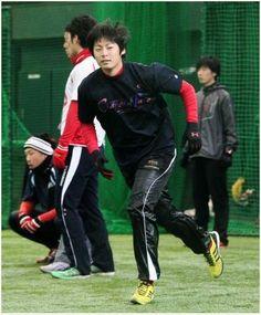 一岡、ブルペンで実戦想定の48球/カープ/photo/デイリースポーツ online (via http://www.daily.co.jp/baseball/carp/2014/01/21/p1_0006651364.shtml )