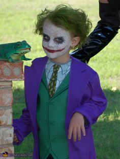 We deeply hope these 50 Spooky And Cutest Halloween Kids Customs And Makeups Make Your Kids Famous be your favorite choice. We hope you love it and save it. ♥♡ You may also find more than 10000 Halloween makeup, Halloween customs inspirational idea here. Knight Halloween Costume, Halloween Kostüm Joker, Dark Knight Costume, Joker Halloween Costume, Halloween Images, Family Halloween Costumes, Cute Halloween, Joker Costume For Kids, Halloween Makeup