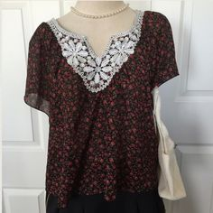 Floral & Lace Shirt XLNT COND!: wide sleeves; lace trim; black w/printed roses Ultra Flirt Tops Blouses